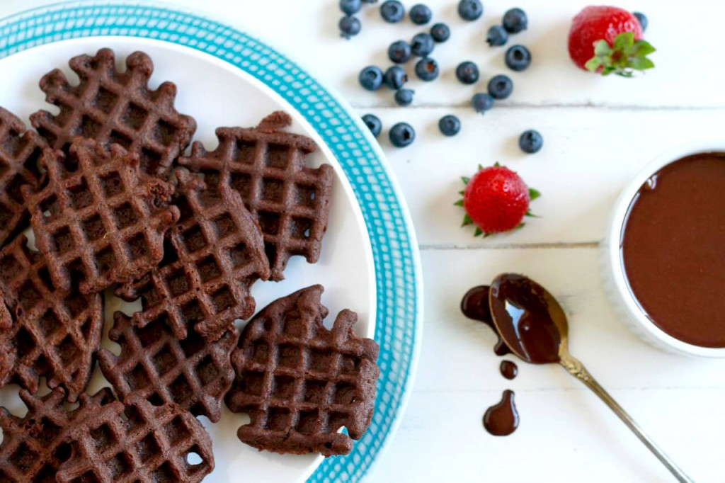 Mini-Chocolate-Waffles-savorylotus1
